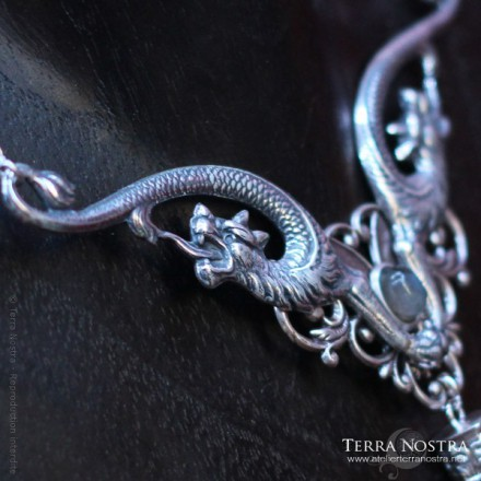 "Collier ""Sanctus Dracones"""